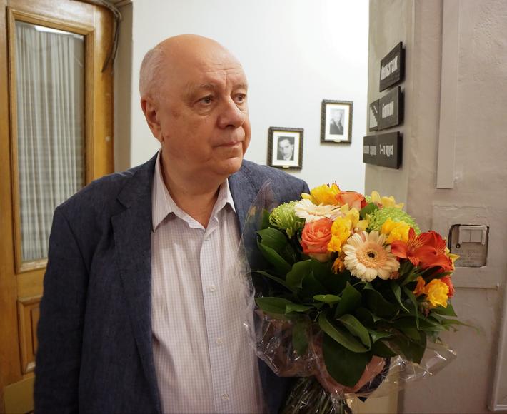 Президент России Владимир Путин наградил сатирика Аркадия Инина